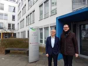 Innovative IT-Lösungen: Senator Martin Günthner besucht die Univention GmbH