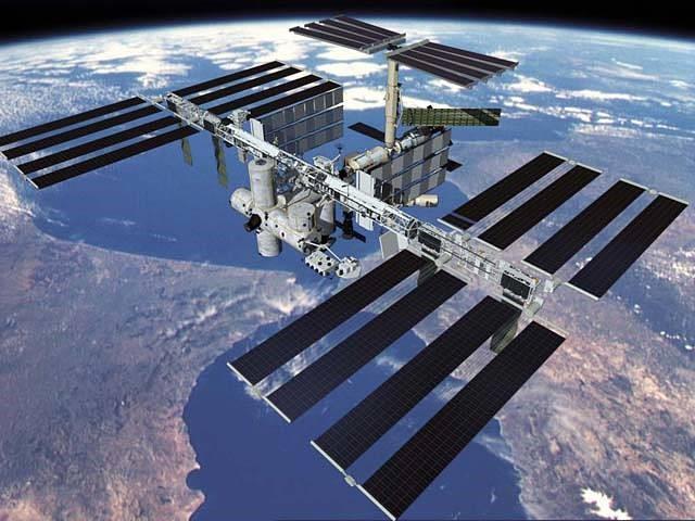 die ISS als Außenansicht aus dem Weltall