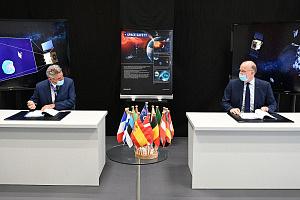 OHB und ESA besiegeln Asteroidenabwehrmission Hera