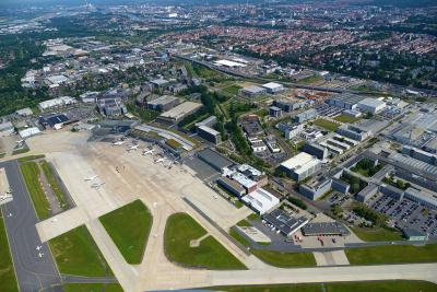 Der Bremer Flughafen von oben